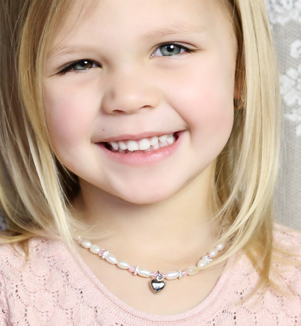 KAYA sieraden Children necklace 'Infinity White' heart with globe