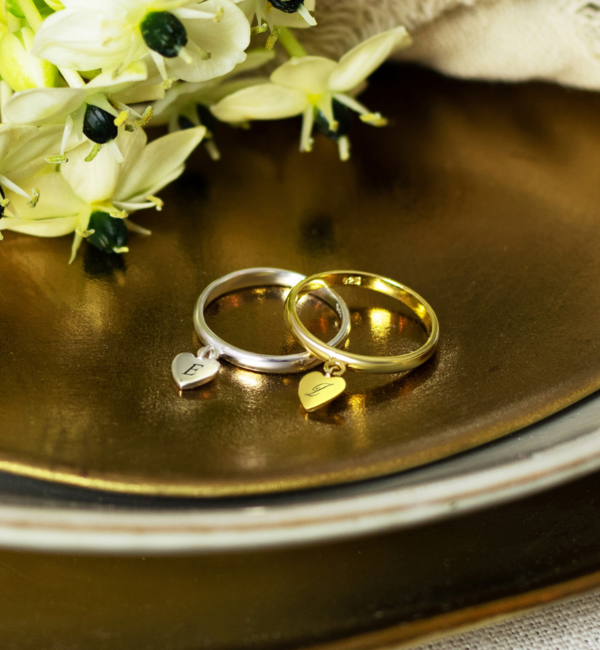Sieraden graveren Zilveren Ring met Initiaal 'Hartje Bedel'
