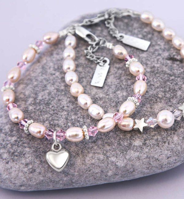 KAYA sieraden Baby bracelet 'Infinity' with sweet heart ball and Swarovski crystals
