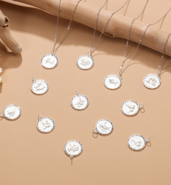 Sieraden graveren Zilveren Ketting met Sterrenbeeld