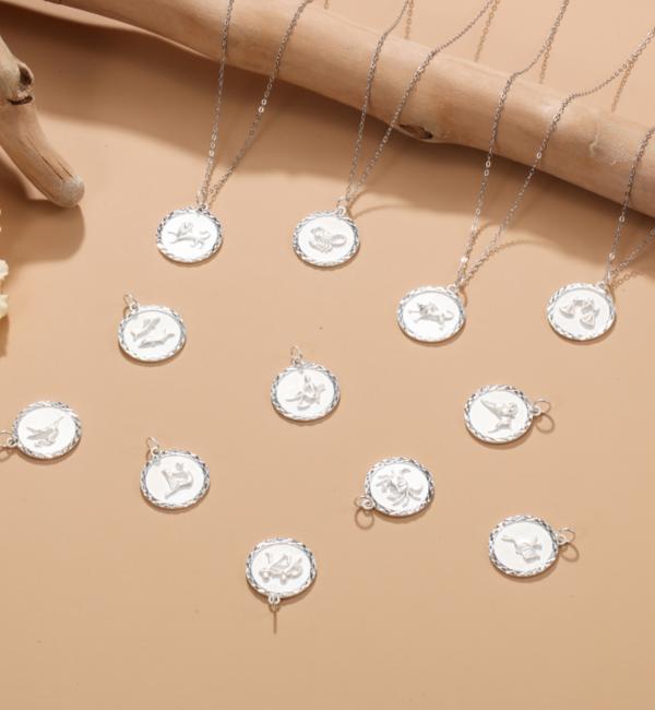 Sieraden graveren Subtle Necklace with Initals - Copy - Copy - Copy - Copy - Copy
