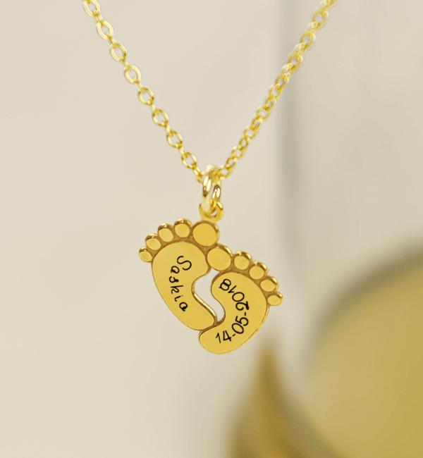Sieraden graveren Birthstone necklace 'Baby feet' - Copy