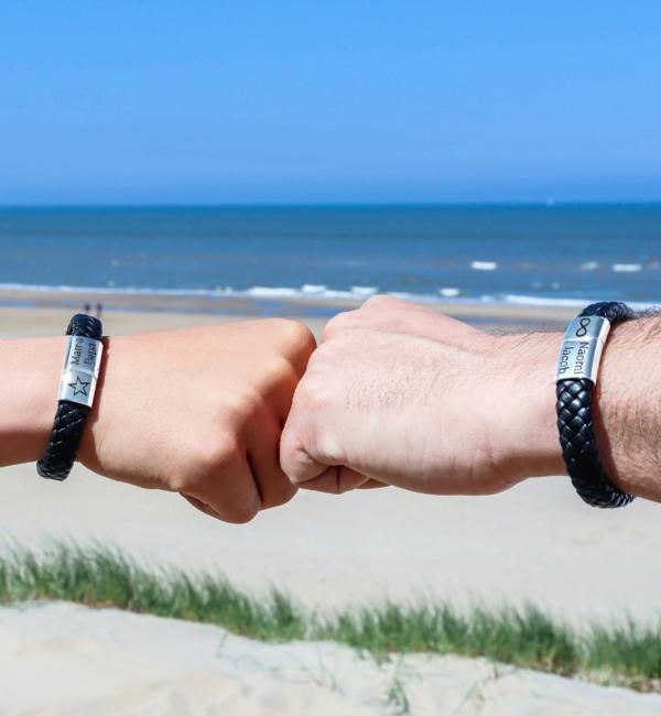 Sieraden graveren Black bracelet for men 'Leather'