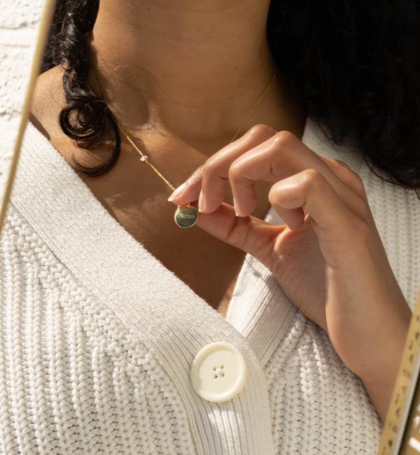KAYA sieraden Vergulde Ketting met Inline Geboortesteen en Disc met Gravure