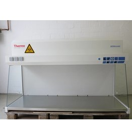 Thermo Scientific Thermo Heraguard HPH18  Clean Bench