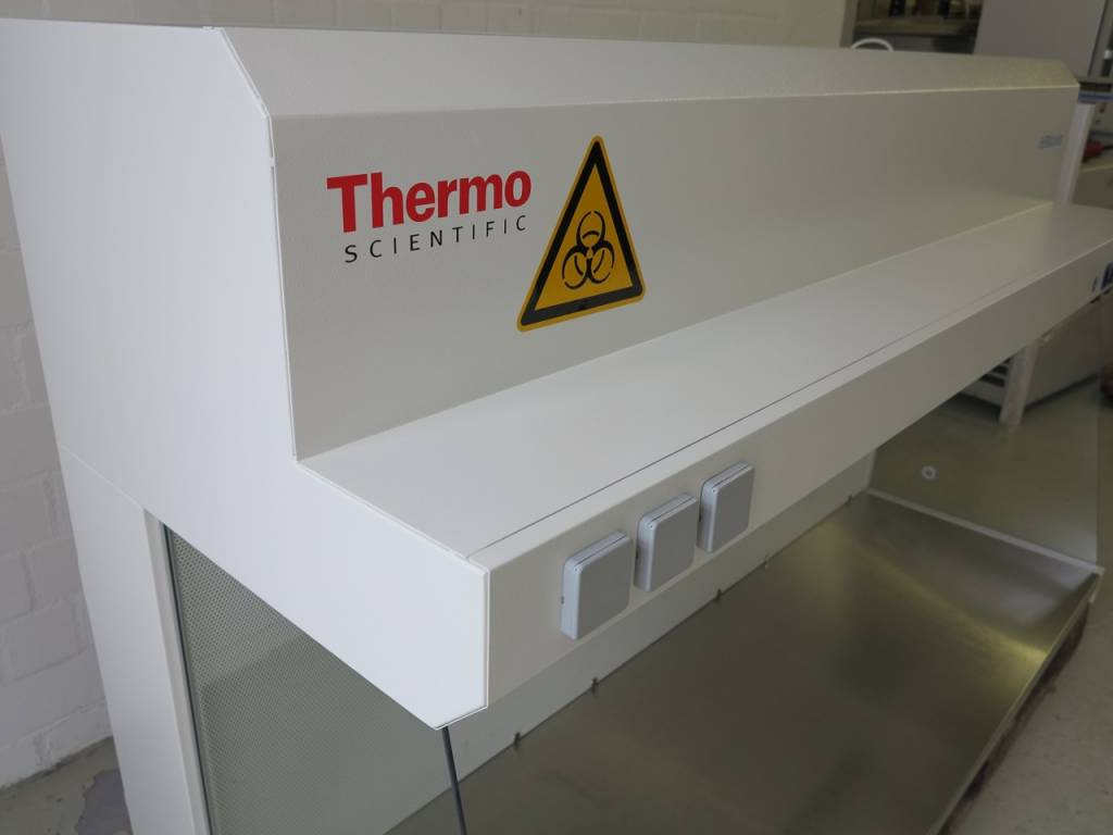 Thermo Scientific Refubrished Thermo Heraguard HPH18  Clean Bench