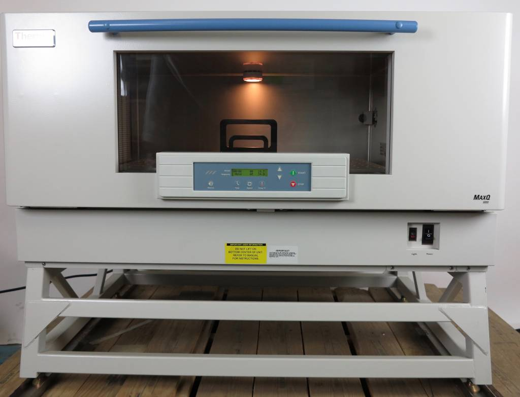 Thermo Scientific Thermo MaxQ8000-1CE Shaking Incubator with Stand