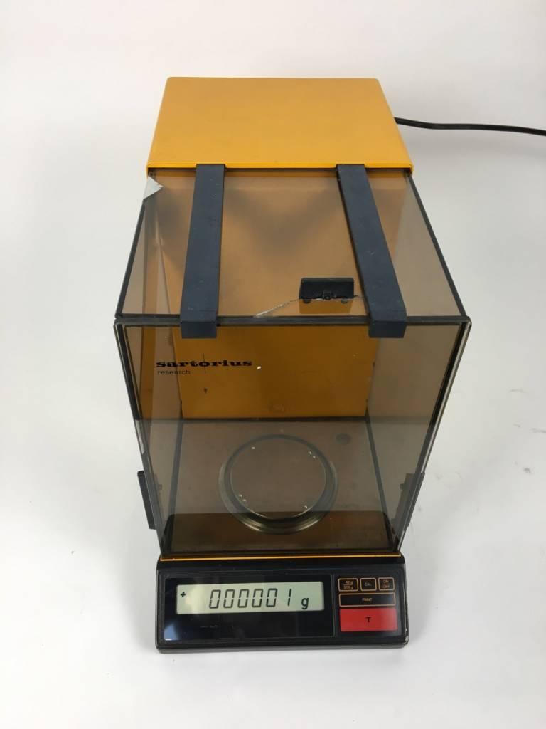 Sartorius Sartorius R200 D Analytical Balance (2005 / 0,01 mg)