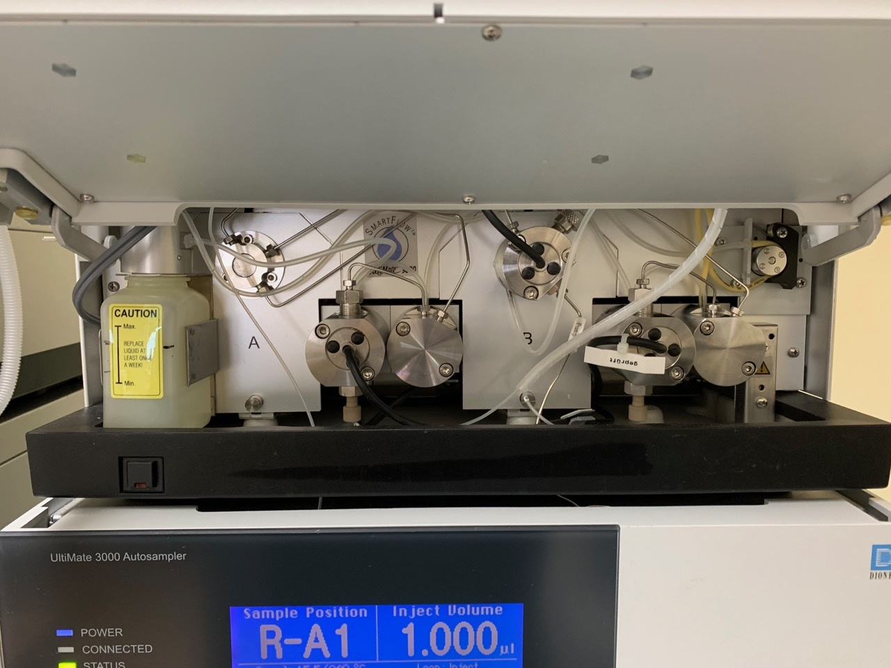 Thermo Dionex Thermo Dionex Ultimate 3000 HPLC System w/ HPG-3200 Pump