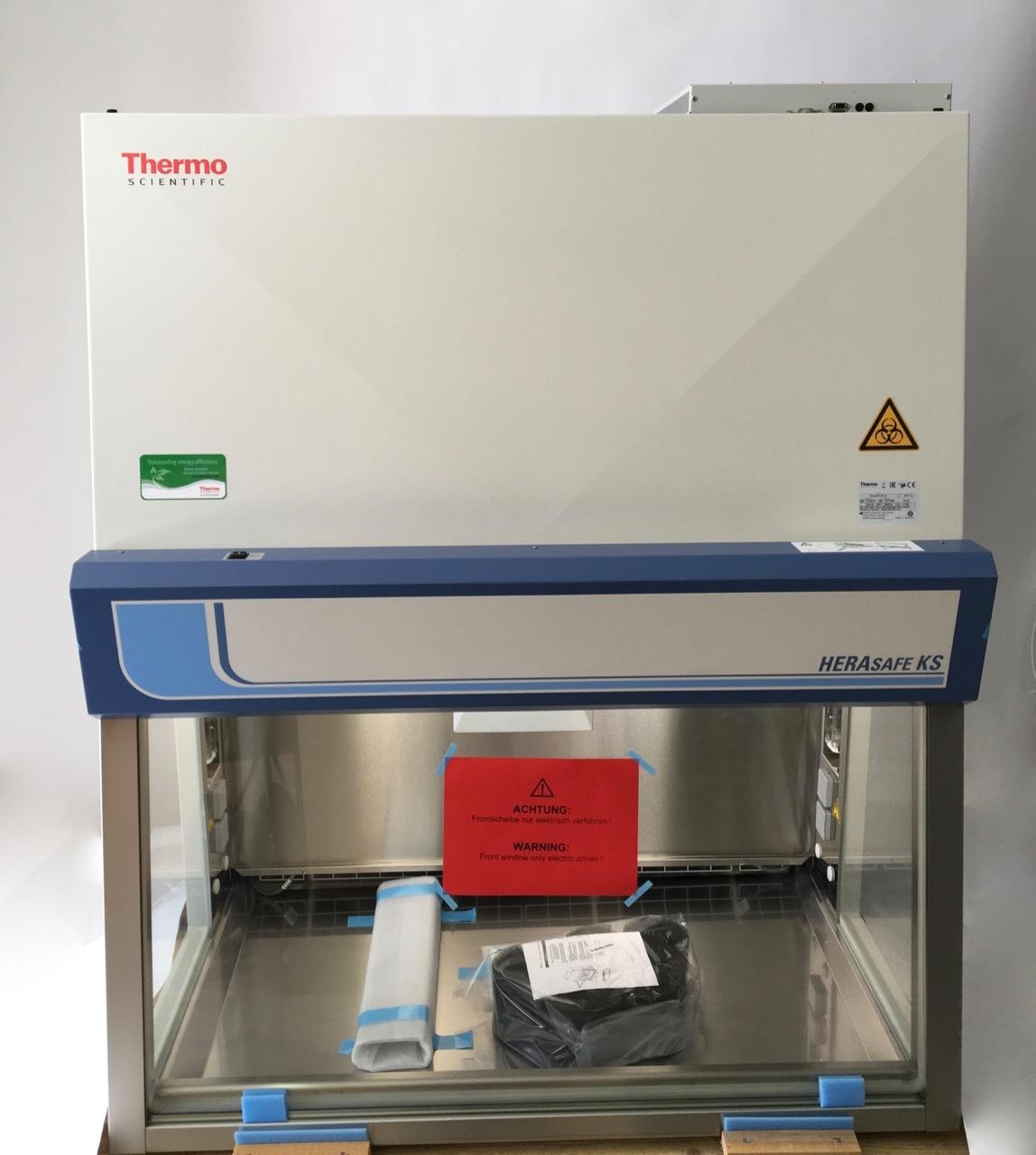 Thermo Scientific Thermo Herasafe KS 12 Sicherheitswerkbank, integriertes UV-Licht