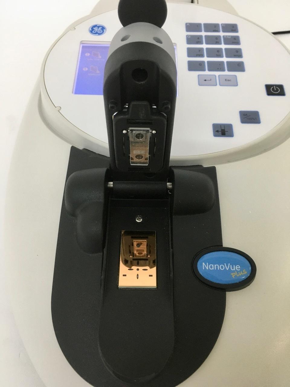 Ge Healthcare GE Healthcare NanoVue Plus Spectrophotometer