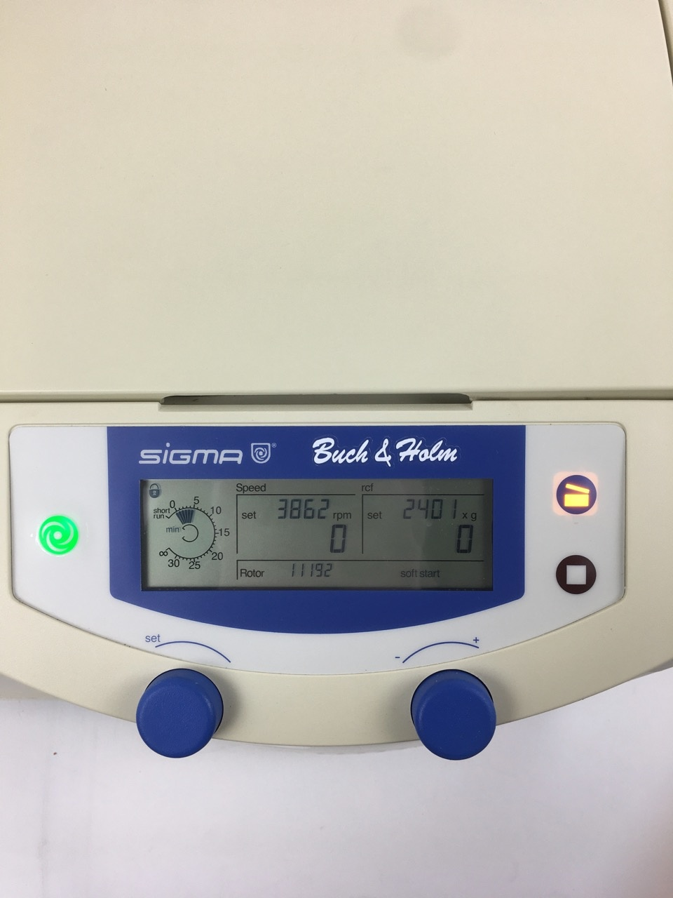 Sigma Sigma 2-16 Centrifuge