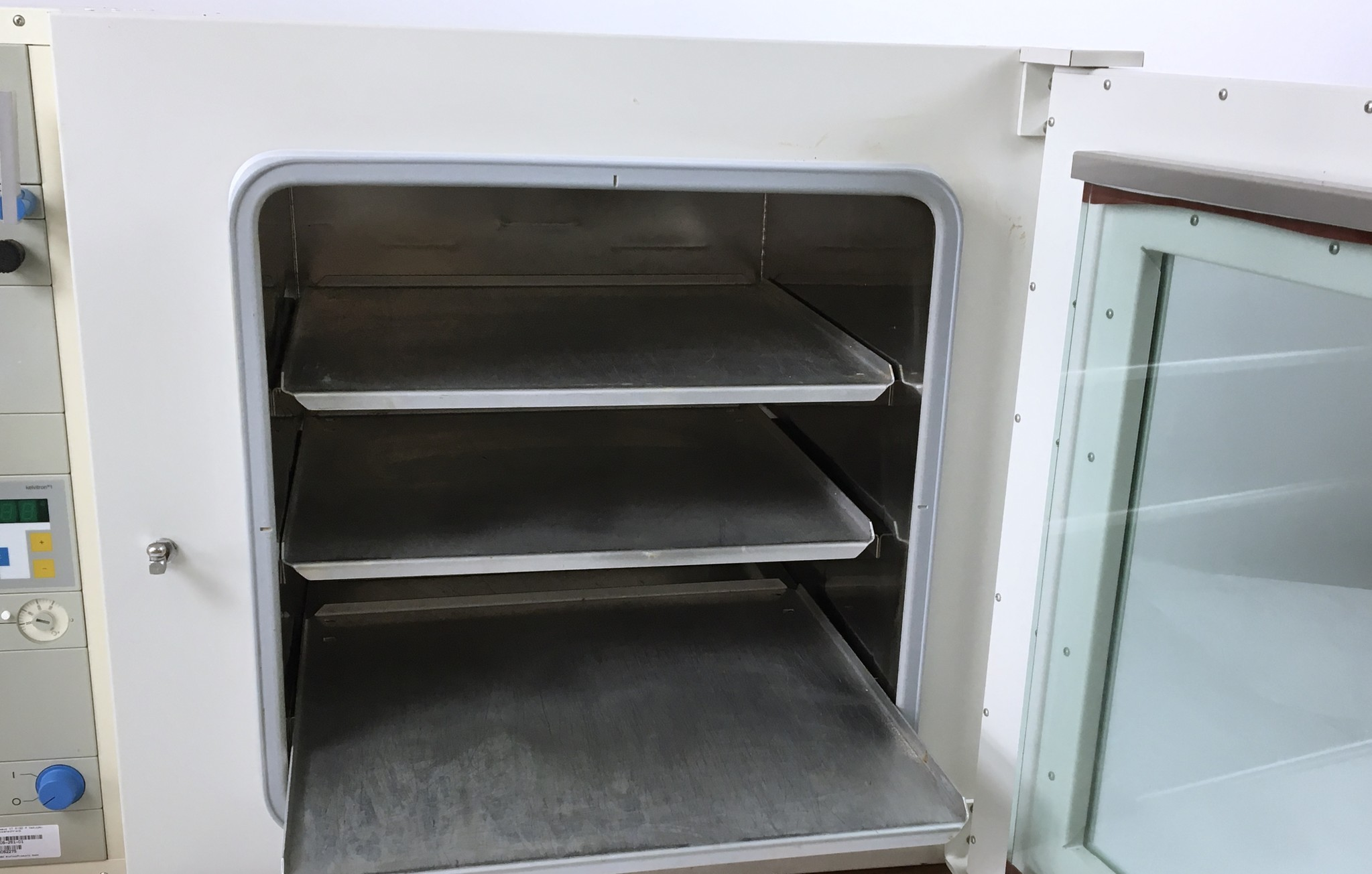 Thermo Scientific Thermo Vacutherm 6130 M Vakuumtrockenschrank