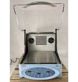 Thermo Scientific MaxQ 4000-8CE Incubator Shaker, cooled