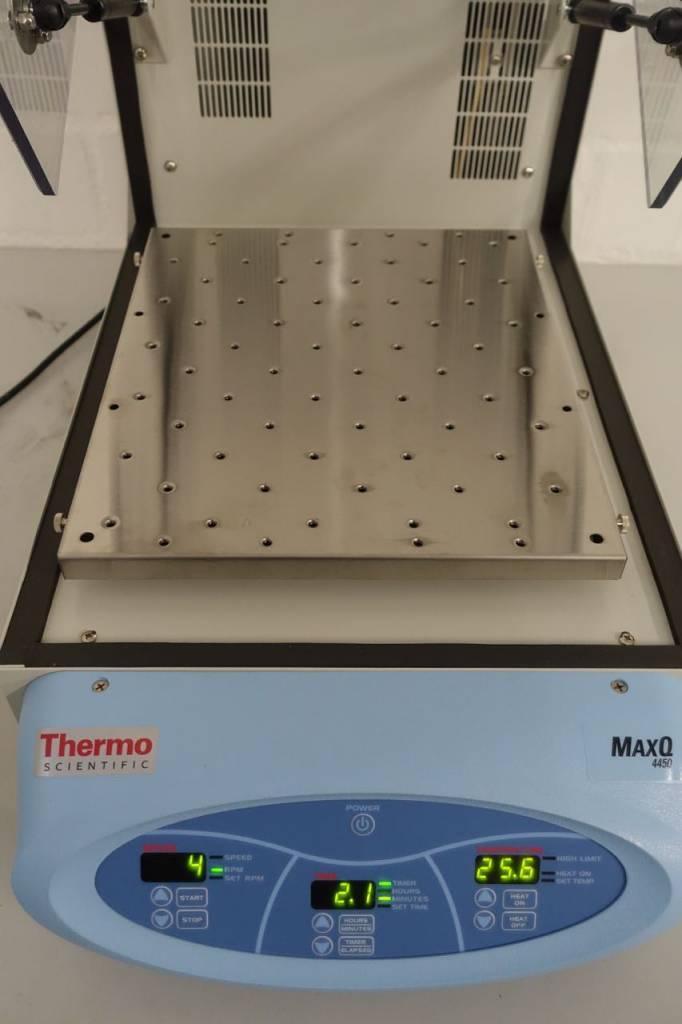 Thermo Scientific Thermo MaxQ 4450 Tisch-Inkubationsschüttler (digital)