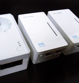 TP-Link TP-LINK TL-WPA4226TKit AV500 WIFI WLAN Powerline Adapter Netzwerkadapter 3-Set