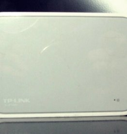 TP-Link TP-LINK TL-SF1005D 5-Port 10/100Mbps Desktop Switch