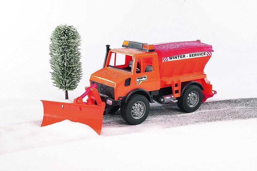 Bruder Unimog winterdienst / sneeuwschuiver