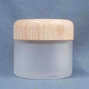 glazen pot frosted matglas 50 ml. met houten deksel van beukenhout - Copy