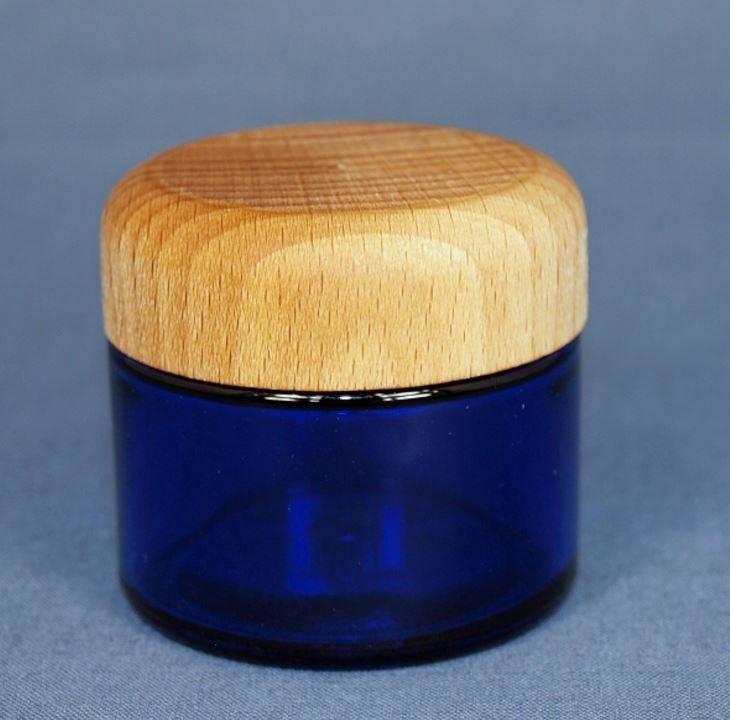 glazen pot blauw 50 ml. met houten deksel van beukenhout