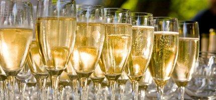 Waarom heeft champagne bubbeltjes?
