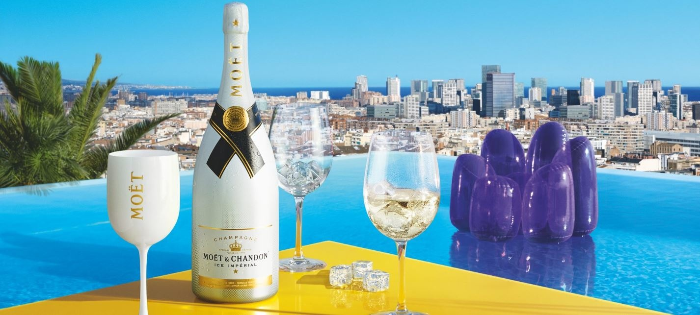 De meest geschikte champagnes voor de zomermaanden