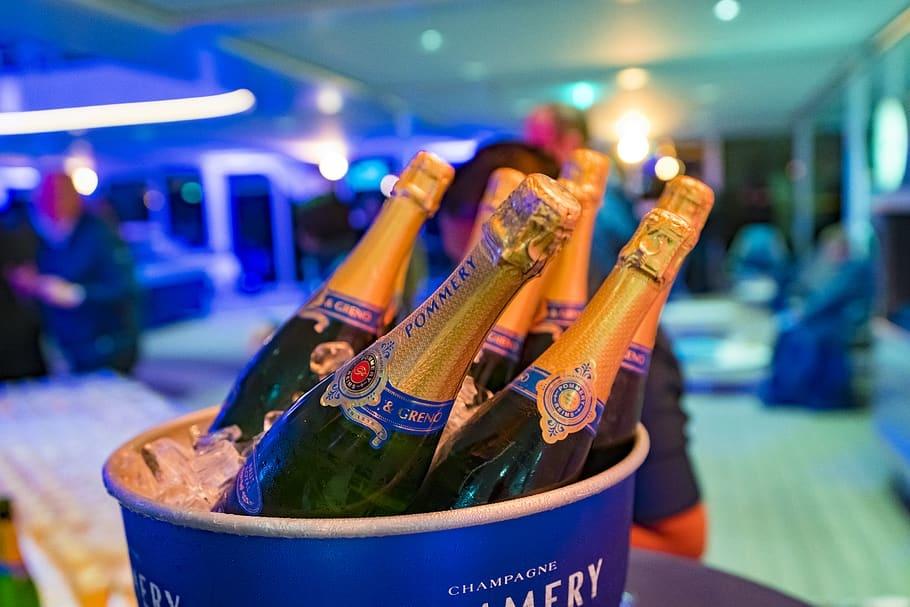 De champagne aanbiedingen van maart
