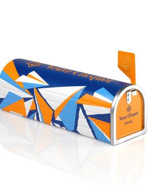 Veuve Clicquot Ponsardin Brut 75CL Mailbox
