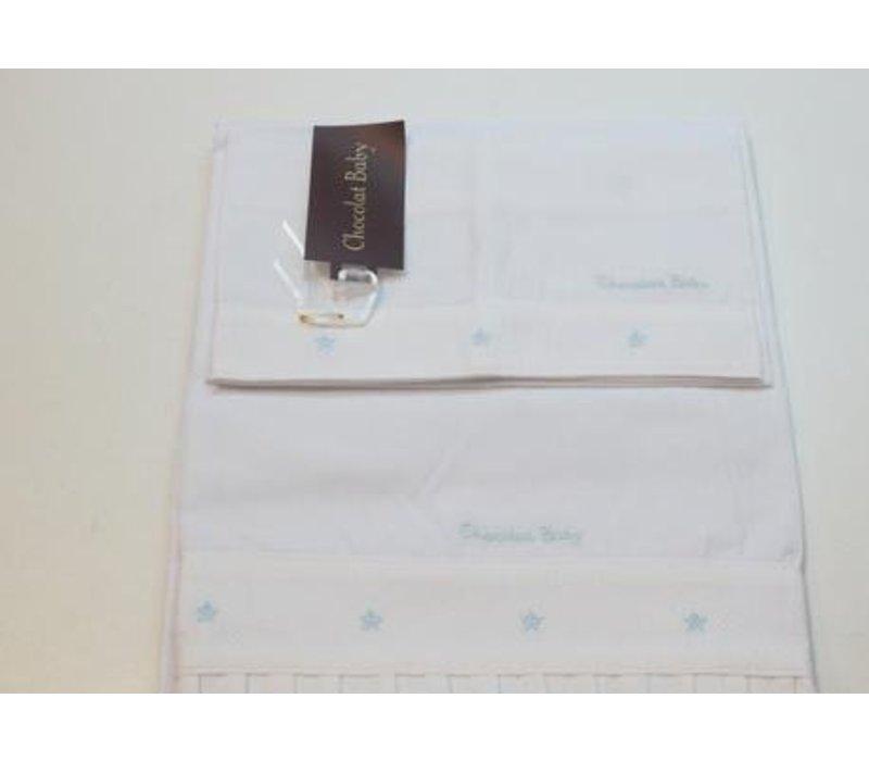 Handdoekenset wit met licht blauwe geborduurde stip