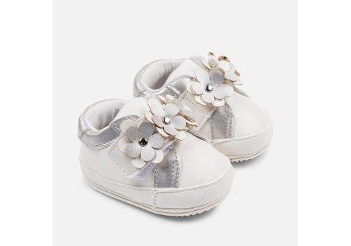 Mayoral Leuke sportieve meisjesschoenen, wit met zilver.