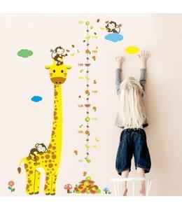 Muursticker giraffe met aapjes