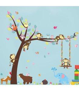 Muursticker boom met aapjes, uiltjes en andere dieren
