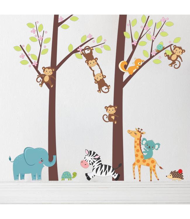 Muursticker twee bomen met aapjes en andere diertjes