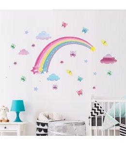 Muursticker regenboog met wolkjes, vlinders en sterren