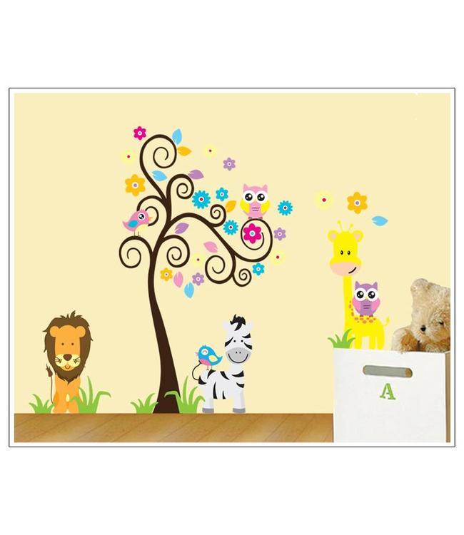 Muursticker sierlijke boom uiltjes en diertjes