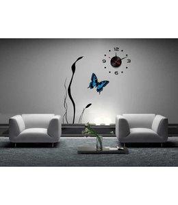 Muursticker klok met mooie vlinder