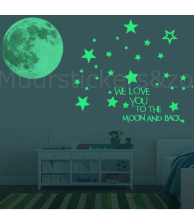 Muursticker we love you met glow in the dark maan 30 x 30 cm en extra sterren