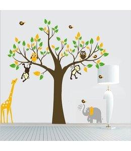 Muursticker boom met giraffe, aap. uiltjes en olifant
