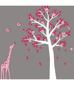 Muursticker witte boom met uiltjes en giraffe roze