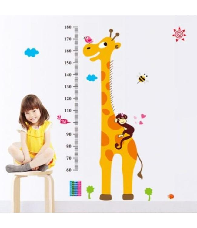 Muursticker groeimeter giraffe met schattig aapje