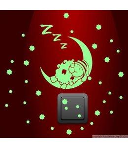 Muursticker glow in the dark schaapje op maan met sterren