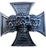 Skull and cross pin