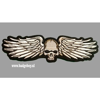 Badgeboy Skull and WIngs 20 cm wide