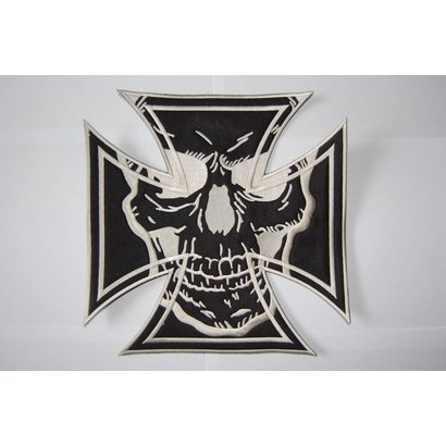 Maltezer cross black with skull 492 R