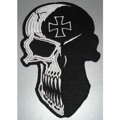 Skull with Maltezer cross