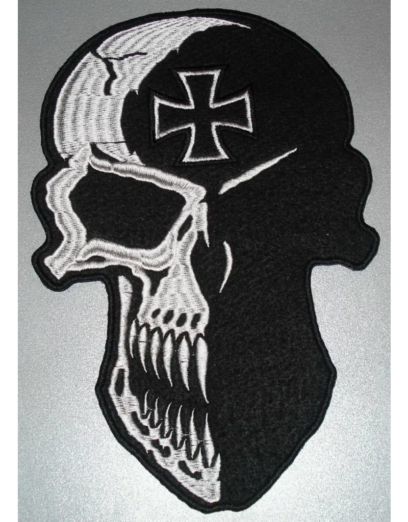 Skull with Maltezer cross