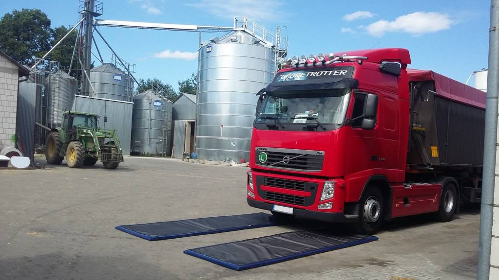 Set of 2 Disinfection Mats cars and trucks 110 x 380 x 5 cm