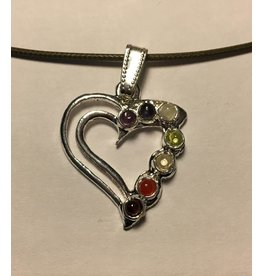Mandisakura ketting zilverkleurig hart met 7 chakra stenen