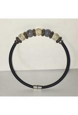 Mandisakura Armband met magneetsluiting - met crème en grijs gemêleerde kraal