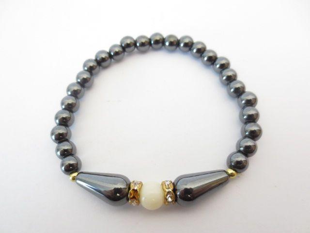 Mandisakura Hematiet armband - wit met  elastiek